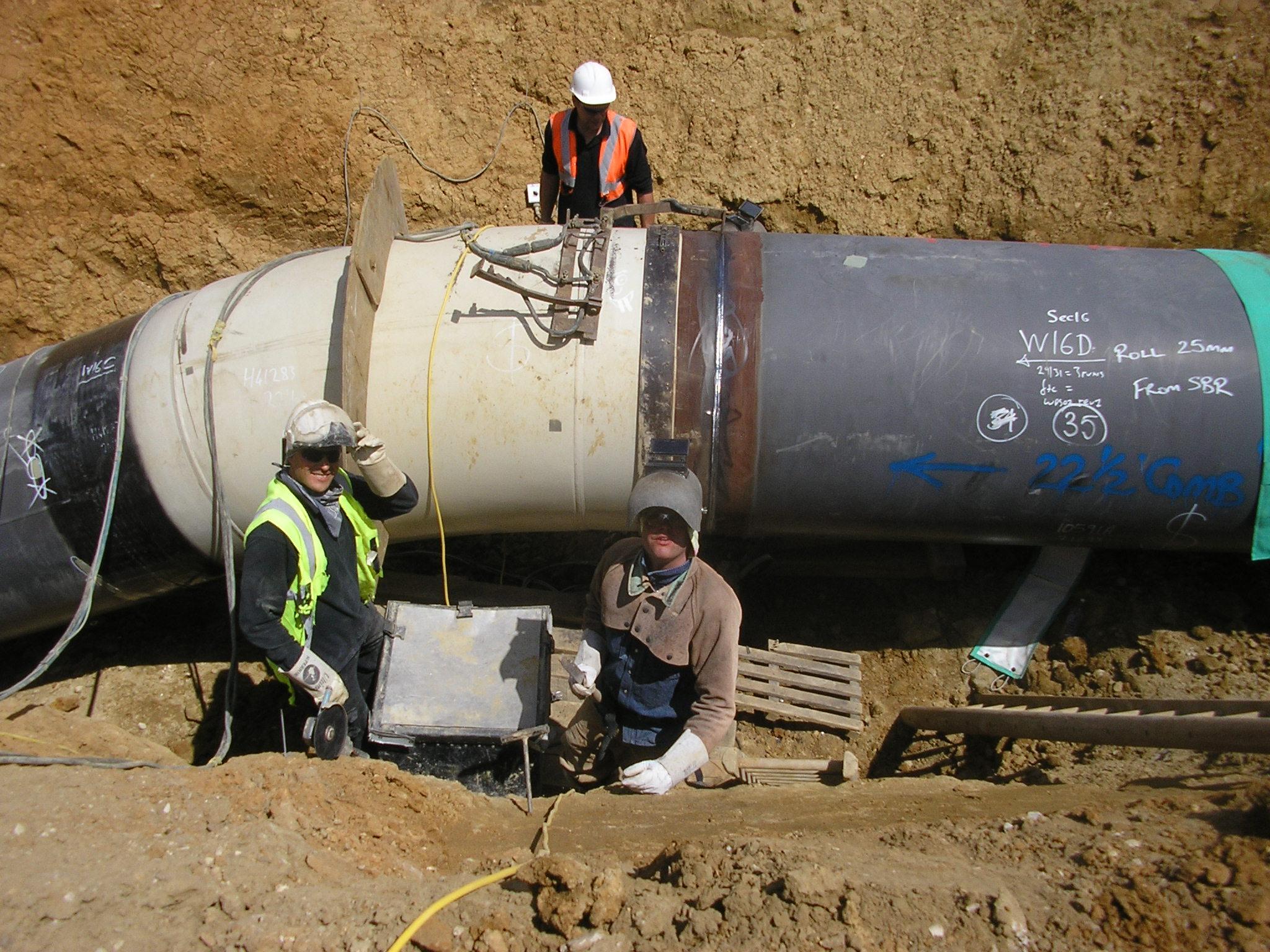 Pipeline Welding Trucks >> TIE-INS & FABS